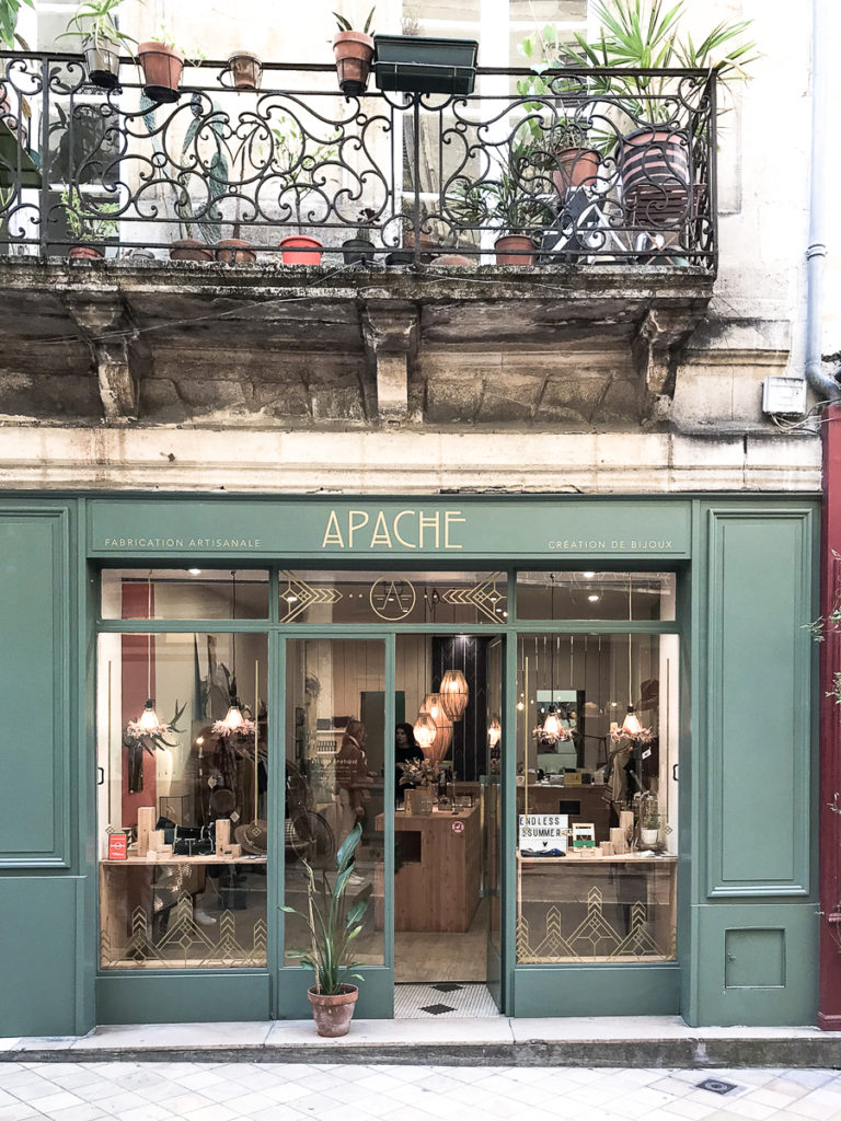 Apache, Going Places Bordeaux shops