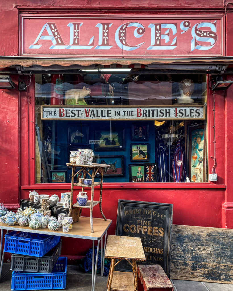 Alice's Vintage shop, Notting Hill