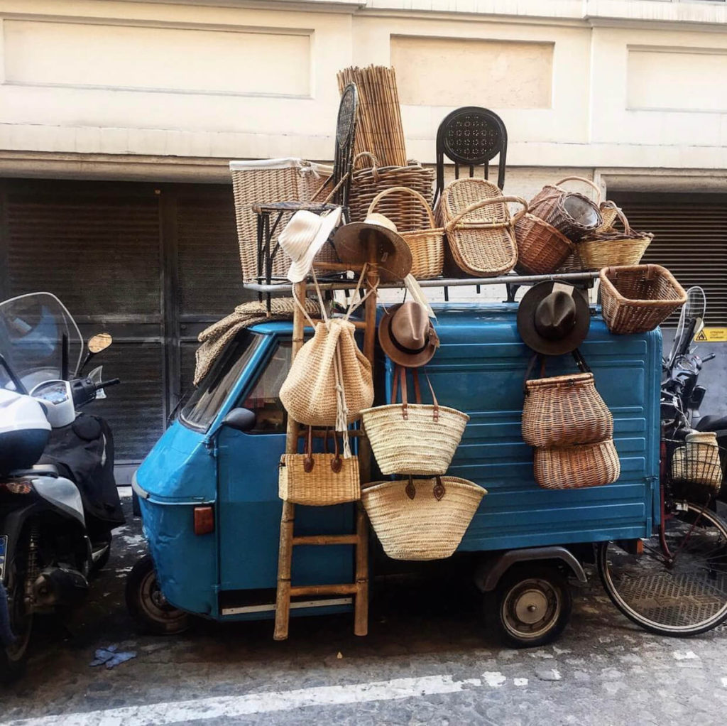 Baskets, shops with wheels